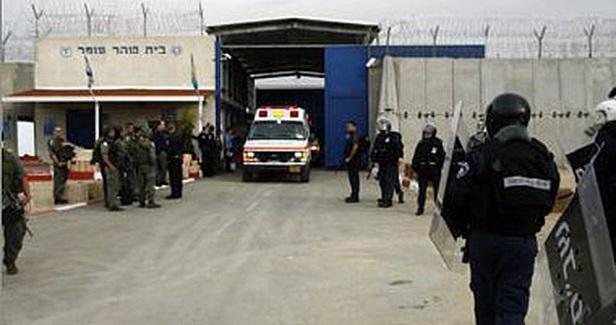 Ashkelon prisoners to go on hunger strike next Sunday