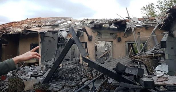 Seven Israelis injured in rocket attack north of Tel Aviv