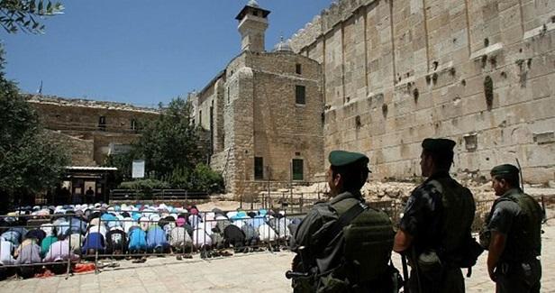 40,000 Israeli settlers storm Muslims' Ibrahimi Mosque in al-Khalil