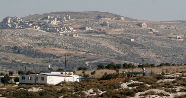 Israel to grab hold of Palestinian land to legalize settlement outpost