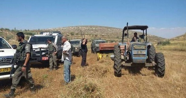 IOF seizes Palestinian-owned tractor in Jordan Valley