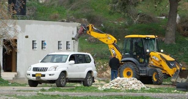 Israel launches demolition campaign near Qalandiya camp