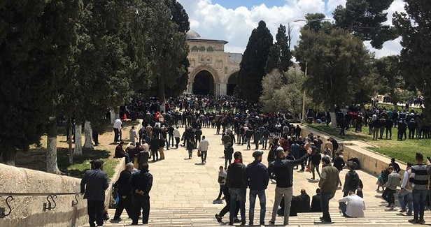 Israeli police arrest two employees of al-Aqsa Mosque compound