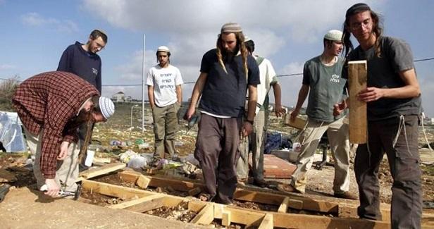 Israeli settlers seize Palestinian lands in Jordan Valley