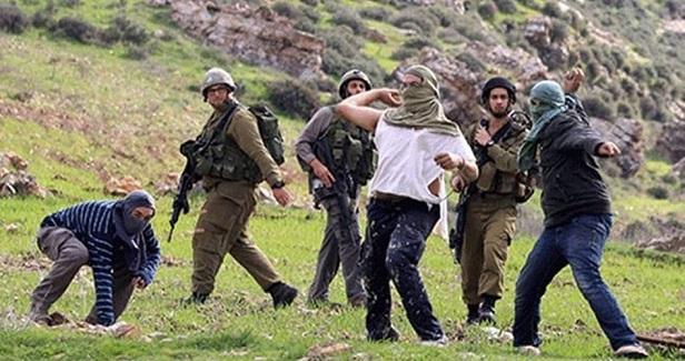 Palestinian injured as Israeli fanatics assault Nablus school