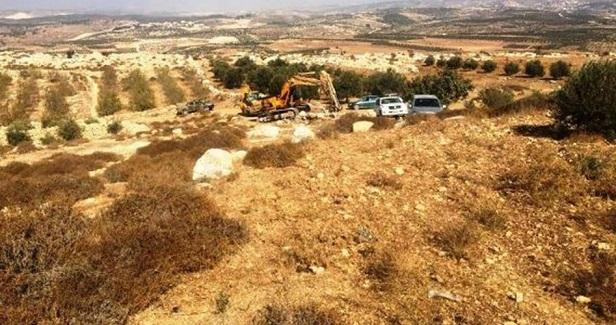 Israeli bulldozers raze Palestinian lands near Salfit