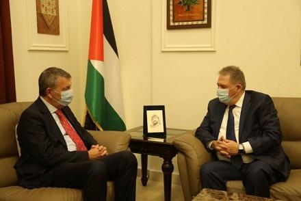 سفير فلسطين لدى لبنان يلتقي مفوض عام