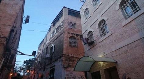 لاجئو القدس والأونروا يواجهون معا مخطط نير بركات لتفكيك مؤسسات