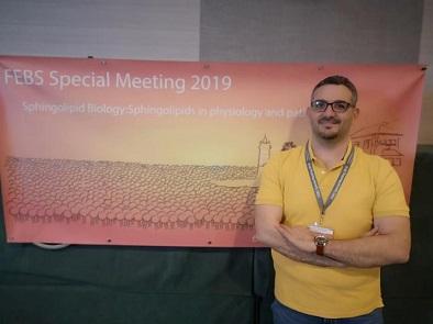 باحثٌ فلسطيني يناقش كتابه العلميّ في مؤتمرٍ دوليّ حول الدهون النشطة في البرتغال