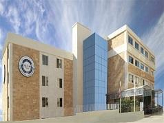 عشرات الطلاب الفلسطينيين في AUL  ضحية قرارات جامعية