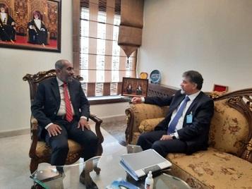 السفير عبد الهادي يبحث مع سفير سلطنة عمان آخر مستجدات الأوضاع في فلسطين