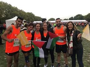 شابان فلسطينيان يركضان لأجل التعليم في فلسطين بماراثون لندن