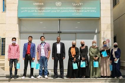 تكريم مجموعة من الطلبة المتفوقين في الأردن