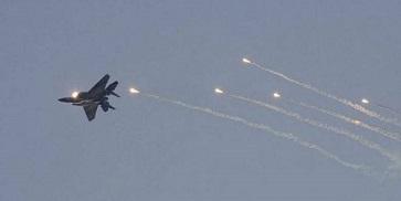 الطيران الحربي الاسرائيلي قصف 20 هدفاً في قطاع غزة من ضمنها تم استهداف نفق