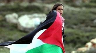 عشية يوم المرأة: انخفاض في نسبة الزواج المبكر، ومعدلات الامية بين النساء في فلسطين