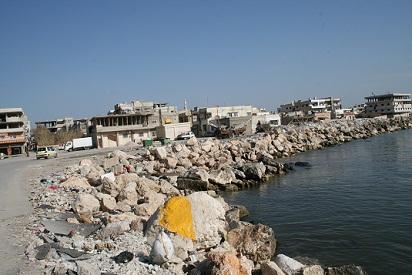 رغم الاستقرار الأمني البطالة تفاقم معاناة أهالي مخيم الرمل في اللاذقية