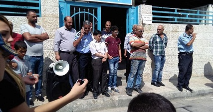 مسؤول أونروا في غزة يحذر من عدم قدرتها على صرف رواتب موظفيها
