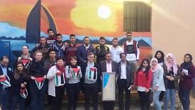 في مخيم الرشيدية طاولة حوارٍ تجمع شباب فلسطينيين ووفدٌ سياسي نرويجي
