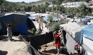 الفلسطينيون في جزيرة ساموس يشكون سوء أوضاعهم
