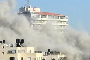 جيش الاحتلال يعلق على إعادة بناء منزل