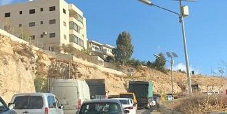 قوات الاحتلال تٌغلق حاجز