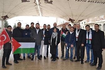 من مسجد الفاتح في اسطنبول تضامنٌ فلسطيني وعربي وتركي مع القدس
