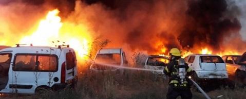 احتراق مركبات تابعة لجيش الاحتلال تعرضت لزجاجات حارقة قرب القدس