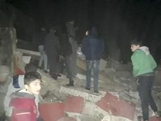 13 منزلاً على وشك الانهيار في الرشيدية، ولا حلول قريبة لأزمة المنازل المجاورة للبحر