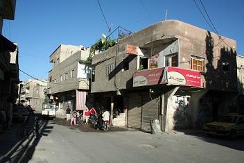 أزمة مواصلات في مخيم السيدة زينب وتأزم في أوضاع سكانه المعيشية