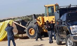 الاحتلال يهدم منزلاً قيد الإنشاء في الولجة ويصيب العشرات بالمطاط والاختناق