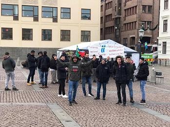 فلسطينيون مرفوضة طلبات لجوئهم في السويد يواصلون حراكهم في يتبوري