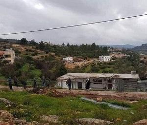 جرافات جيش الاحتلال تهدم منازل غرب بيت لحم