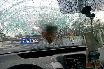 تضرر حافلة اسرائيلية رشقاً بالحجارة قرب صفد