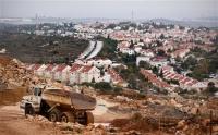 «الديمقراطية «تدين بناء (135) وحدة استيطانية على أراضي المواطنين جنوب الخليل