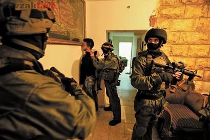 جيش الاحتلال يعتقل 7 مواطنين من الضفة الغربية