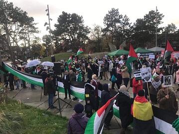في يوم التضامن العالمي مع الشعب الفلسطيني، وقفة إحتجاجية أمام محكمة الجنايات الدولية