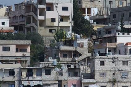 «بلوكات» حول مخيم المية ومية: إجراء أمني أم جدار فصل؟
