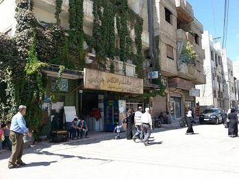 شكوى من استمرار انقطاع الكهرباء في مخيم العائدين بحمص