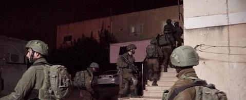 مداهمات واعتقالات وقوات الاحتلال تفتش المنازل في الضفة الغربية