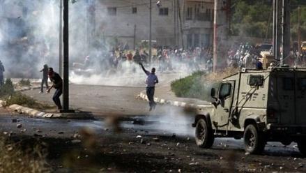 قوات الاحتلال تعتقل شاب من مخيّم الجلزون