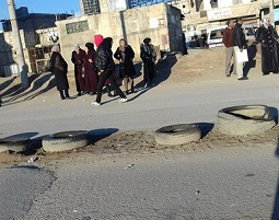 طلاب مخيّم خان دنون يعانون من قلة المواصلات للمراكز الإمتحانية