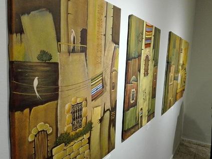 """من غزة إلى بيت لحم معرض بعنوان """" لم تَزُل"""" للفنان محمد الحاج يحاكي التراث المعماري في مدينة غزة"""
