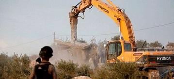 جرافات جيش الاحتلال تشرع بهدم منزل في جبل المكبر بالقدس