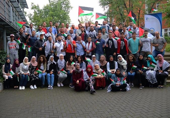 نشاط الشباب الفلسطيني في أوروبا يصطدم بتحديات الواقع والتفكك المؤسساتي