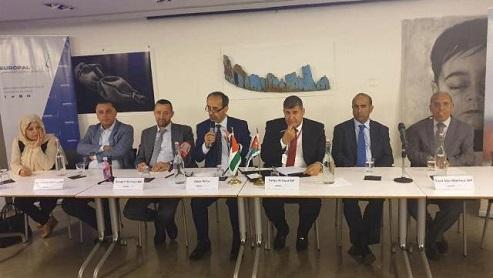 قيادات من الجاليات الفلسطينية والعربية تلتقي وفدًا برلمانيًا أردنيًا بلندن