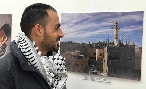 معرض لمصوّر فلسطيني في إيرلندا لتسليط الضوء على معاناة أهالي مخيّم عايدة