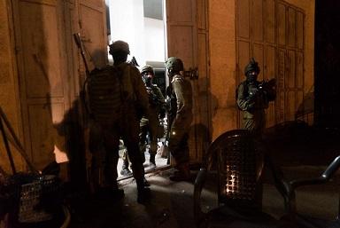 اعتقالات ومداهمات لجيش الاحتلال في مخيمات الضفة الغربية