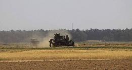 موظفو الأونروا بغزة يحتجون على التقليصات والإجراءات التعسفية بحقهم