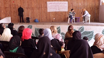 مسرحية في برج البراجنة حول حق العمل للاجئ الفلسطيني في لبنان
