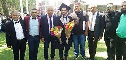 خمسة فلسطينيين من عائلة واحدة في النقب يتخرجون أطباء